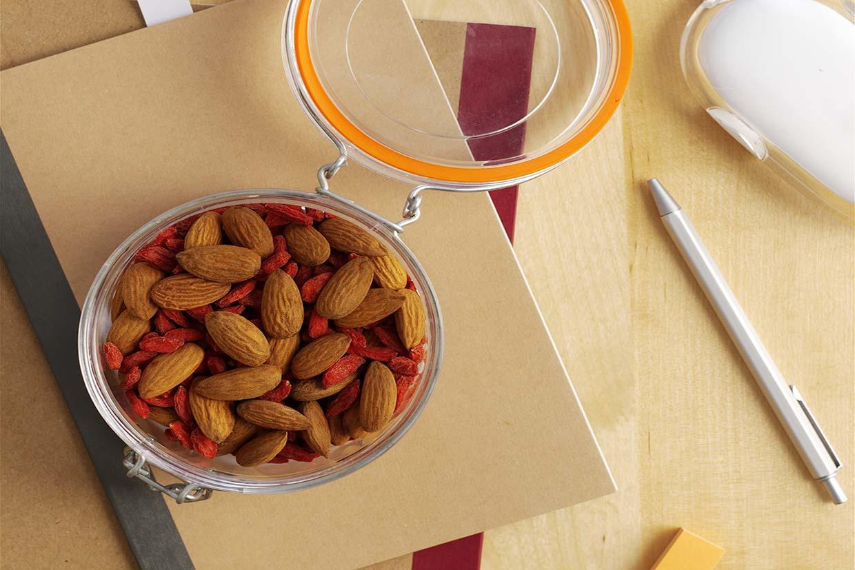 almonds _ goji berry mix.jpg